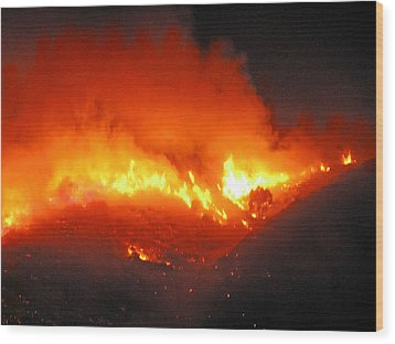 Fire On Signal Hill Wood Print by Michael Durst