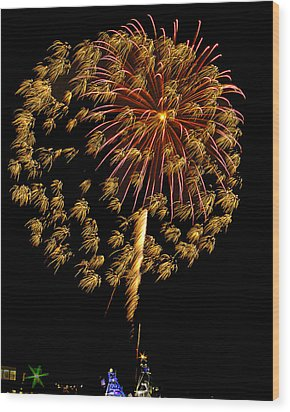 Wood Print featuring the photograph Fireworks 10 by Bill Barber