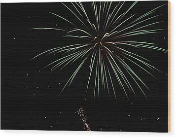 Fireworks 11 Wood Print by Ron Read