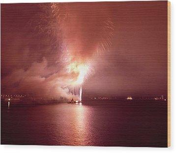 Fireworks 20 Wood Print