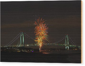 Fireworks Over The Verrazano Narrows Bridge Wood Print