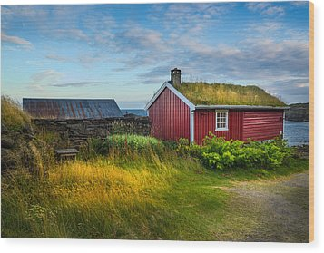 Wood Print featuring the photograph Fisherman House by Maciej Markiewicz
