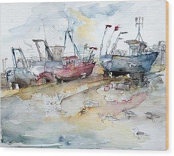 Fishing Boats At Hastings' Beach Wood Print by Barbara Pommerenke