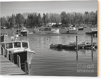 Wood Print featuring the photograph Fishing Boats In Friendship Harbor In Winter by Olivier Le Queinec