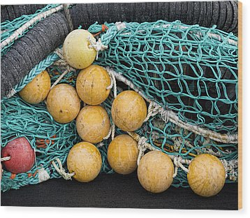 Fishnet Floats Wood Print by Carol Leigh
