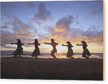 Five Hula Dancers At Sunset At The Beach At Palauea Wood Print