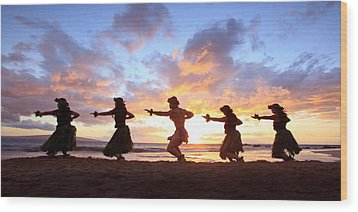 Five Hula Dancers At Sunset Wood Print by David Olsen