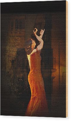 Flamenco In The Streets Wood Print by tim Kahane