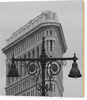 Flatiron Building New York Wood Print by Andrew Fare