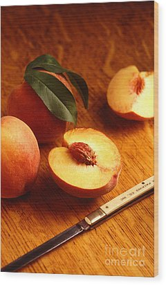 Flavorcrest Peaches Wood Print by Photo Researchers
