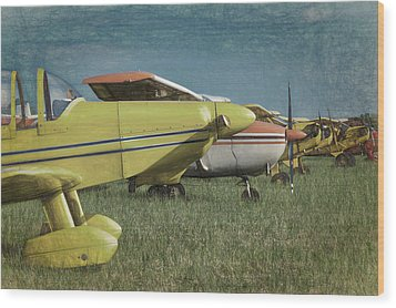 Wood Print featuring the photograph Flightline by James Barber