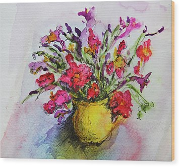 Wood Print featuring the painting Floral Still Life 05 by Linde Townsend
