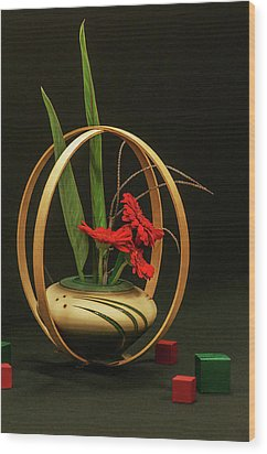 Flow Ikebana Wood Print by Carolyn Dalessandro