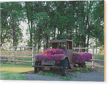 Flower Truck Wood Print by Linda Larson