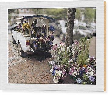 Flower Truck On Nantucket Wood Print by Tammy Wetzel