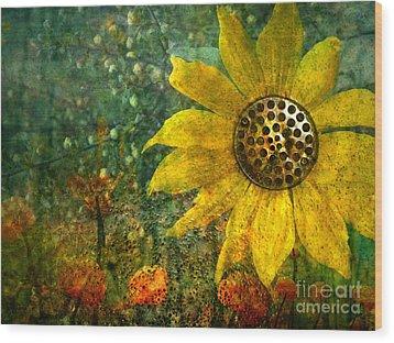 Flowers For Fun Wood Print by Tara Turner