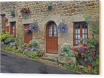 Flowery Doorways In Brittany Wood Print by Dave Mills