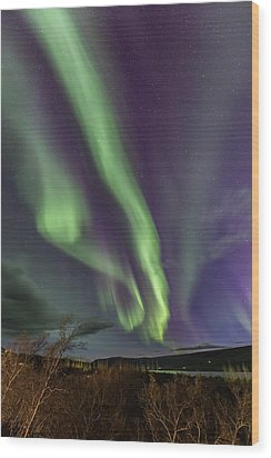 Flowing Aurora Wood Print by Hitendra SINKAR