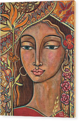Focusing On Beauty Wood Print by Shiloh Sophia McCloud