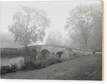 Foggy Morning At Burnside Bridge Wood Print