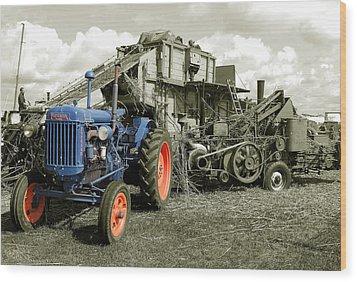 Fordson And The Threshing Machine Wood Print by Rob Hawkins
