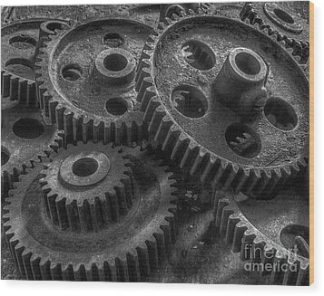 Forgotten Gears Wood Print by ELDavis Photography