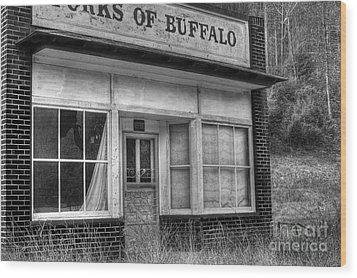 Forks Of Buffalo Wood Print by Pete Hellmann