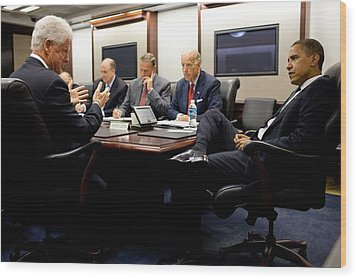 Former President Clinton Briefs Wood Print by Everett