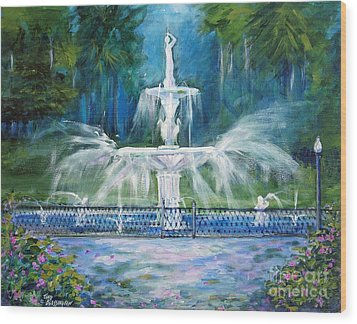 Forsyth Fountain In Savannah Wood Print by Doris Blessington