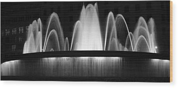 Wood Print featuring the photograph Fountain In Barcelona by Farol Tomson