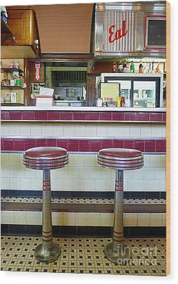 Four Aces Diner Wood Print by Edward Fielding