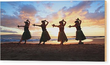 Four Hula Dancers At Sunset Wood Print