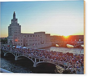 Fourth Of July In Cedar Rapids Ia 2005 Wood Print by Jenness Asby