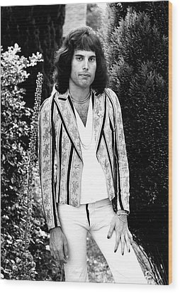 Wood Print featuring the photograph Freddie Mercury Of Queen 1975 by Chris Walter