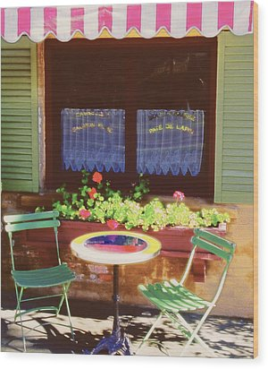 French Bistro In Napa Valley Wood Print by George Oze