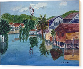 French Harbor Isla De Roatan Wood Print by Donna Walsh