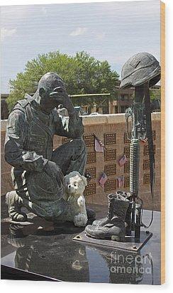 Ft. Hood War Memorial Wood Print by Linda Phelps