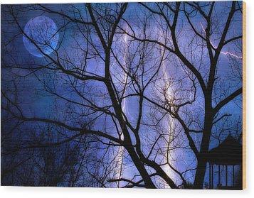 Full Moon Lighting Wood Print by Randy Steele