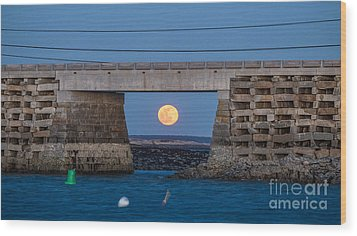 Full Moon Under The Cribstone Bridge Wood Print