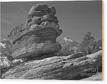 Wood Print featuring the photograph Garden Of The Gods Balanced Rock Black And White by Adam Jewell
