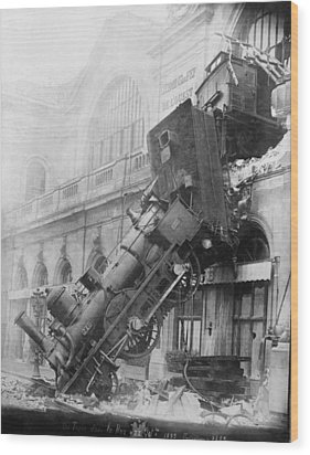 Gare Montparnasse Train Wreck 1895 Wood Print by Photo Researchers