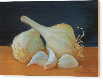 Garlic 01 Wood Print by Wally Hampton