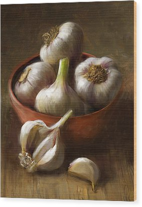 Garlic Wood Print by Robert Papp