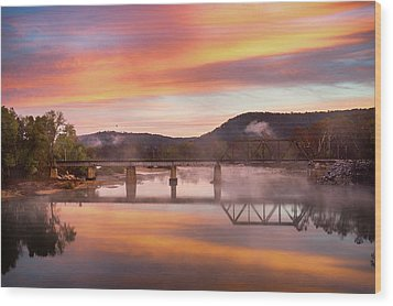 Gasconade River Sunrise Wood Print by Jae Mishra