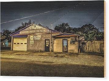 Wood Print featuring the photograph Gates Auto Repair by David Morefield