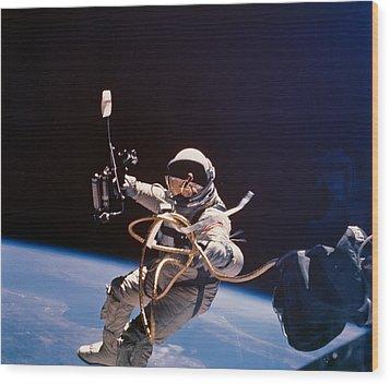 Gemini 4 Astronaut Edward H. White Wood Print by Nasa