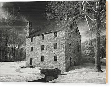 George Washingtons Gristmill Wood Print by Paul Seymour