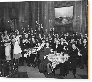 German-americans Celebrate The End Wood Print by Everett