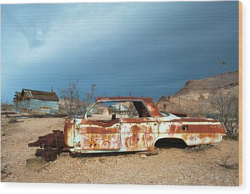 Ghost Town Old Car Wood Print by Catherine Lau