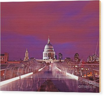 Ghostly Commuters Head To St Pauls On Millennium Bridge Wood Print by Chris Smith